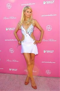 Celebrities: Paris Whitney Hilton